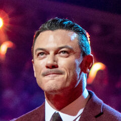 <b>Gaston Roberts</b> (Luke Evans): Sidney's eldest maternal cousin, Jill's older brother and Kate Roberts' eldest son. A social Darwinist who believes in the survival of the fittest. By the time of