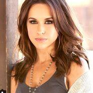 Jennifer Jolie (played by Lacey Chabert)