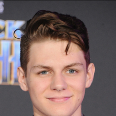 <b>Robbie Mercer</b> (Ty Simpkins): Charlie's best friend and vice-president of the cinema club. The Stabathon is his life work, and whenever he doesn't think/talk about girls (namely Olivia), his thoughts are always drifting to the next stabathon. In his final moments, he'll know who killed him and why he did it.