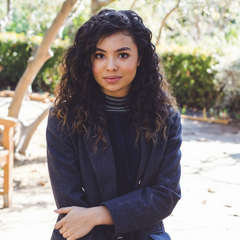 <b>Lara Jones</b> (Jessica Sula): Joel's ambitious daughter. Dreaming to be an actress, but for now she's working as Hollywood dresser. She'll have all of the good qualities that the canon <a href=