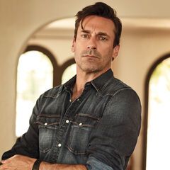 <b>Officer Andrew Richards</b> (Jon Hamm): One of Sidney's temporary bodyguard. Divorced with two children. His canon version's death was the best kill in the canon
