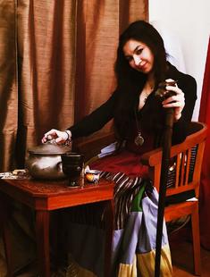 Leota in The Raven