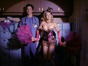 2x13 Elliot dances