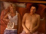 3x19 JD Danni in bed