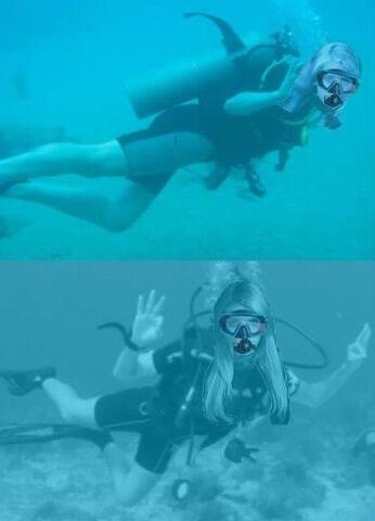 File:Sarah Michelle Gellar and Emma Roberts scuba diving.jpg
