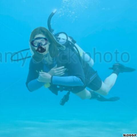 File:Candi Milo scuba diving.jpg