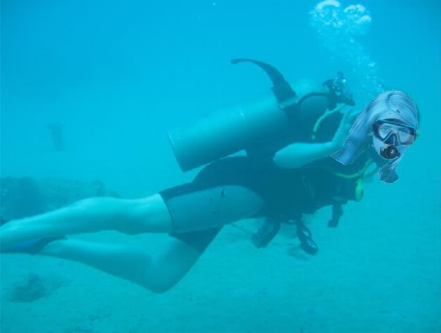 File:Sarah Michelle Gellar scuba diving.jpg