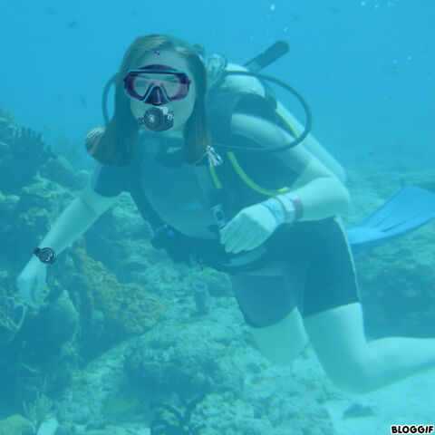 File:Jennifer Stone scuba diving.jpg