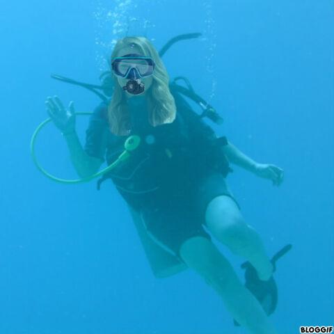 File:Bindi Irwin scuba diving.jpg