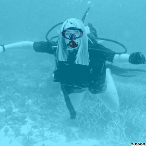File:Sophie Bennett scuba diving.jpg
