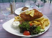 Fish and chips (crop)