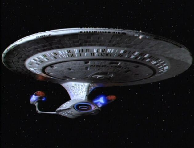 File:USS Enterprise-D, TNG Season 3-7.jpg