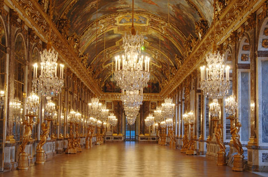 File:Hall of mirrors1.jpg