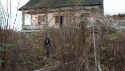 The.secret.circle.SO1E13.Abandoned.House