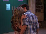IOMG kiss 1