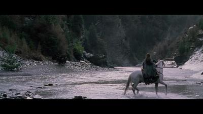 Arwen et cavaliers noirs sur le Mitheithel