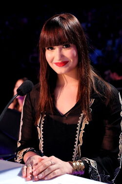 Demi-lovato-on-X-FACTOR-demi-lovato-32641559-395-594