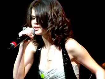 Bidi Bidi Bom Bom Selena Gomez Wiki Fandom