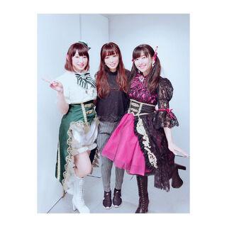 Swapped costume Ai Kayano and Yoshino Nanjō with Yōko Hikasa
