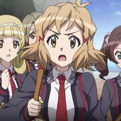 Hibiki with her classmates