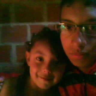 Jairo junto con su prima Veronica