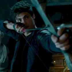 Alec TV con arco