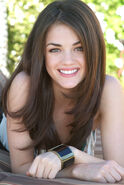 Lucy-Hale-lucy-hale-801297 500 747