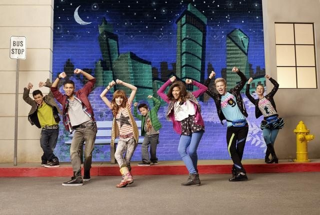 File:Shake It Up Characters.JPG