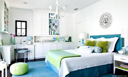 Blue And White Themes Decoration In Small Teenage Girls Bedroom Decorating  Designs Ideas