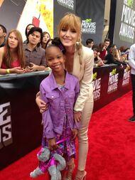 Bella-thorne-MTV-Movie-Awards