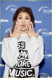 Zendaya-riverrink-opening-performer-06