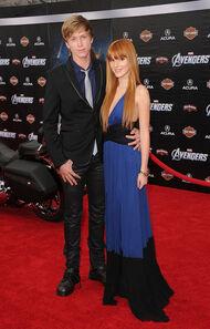 Bella-thorne-avengers-premiere-with-boyfriend