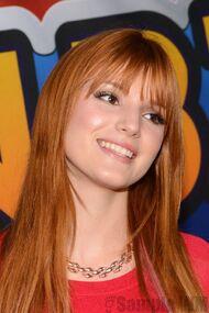 Bella Thorne 072
