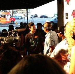 Roshon-fegan-in-a-big-crowd