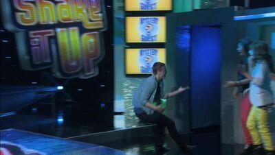 Kick It Up 03