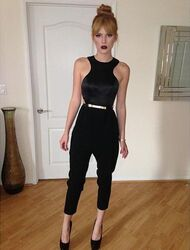 Bella-thorne-in-glossy-black-(2)