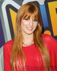 Bella Thorne 076