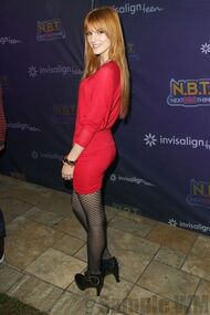 Bella Thorne 058