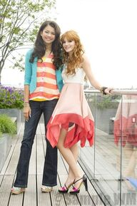 93203 Preppie Bella Thorne and Zendaya Coleman posing for a photo shoot on a hotel in Munich 17 122 360lo