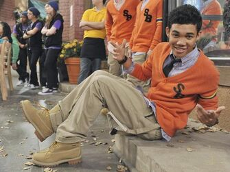 Roshon-fegan-Kicking-It(2)