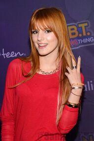 Bella Thorne 055