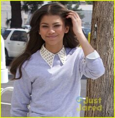 Zendaya-i-was-honored-to-meet-demi-lovato-04