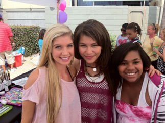 Zendaya-with-deberrie-and-carla-jerffrey
