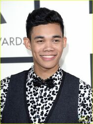 Roshon-fegan-2014-grammy-awards-06
