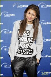 Zendaya-riverrink-opening-performer-11