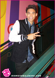 Roshon-fegan-disneydreaming-pic