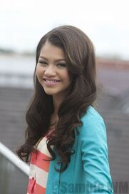 93153 Preppie Zendaya Coleman posing for a photo shoot on a hotel in Munich 5 122 413lo