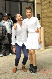Zendaya-coleman-in-white-with-Val
