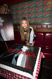 Zendaya-coleman-birthday-cake