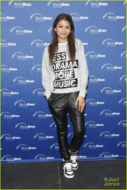 Zendaya-riverrink-opening-performer-13